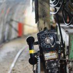 池島炭鉱内の電話機