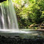 鍋ヶ滝の内側から撮影